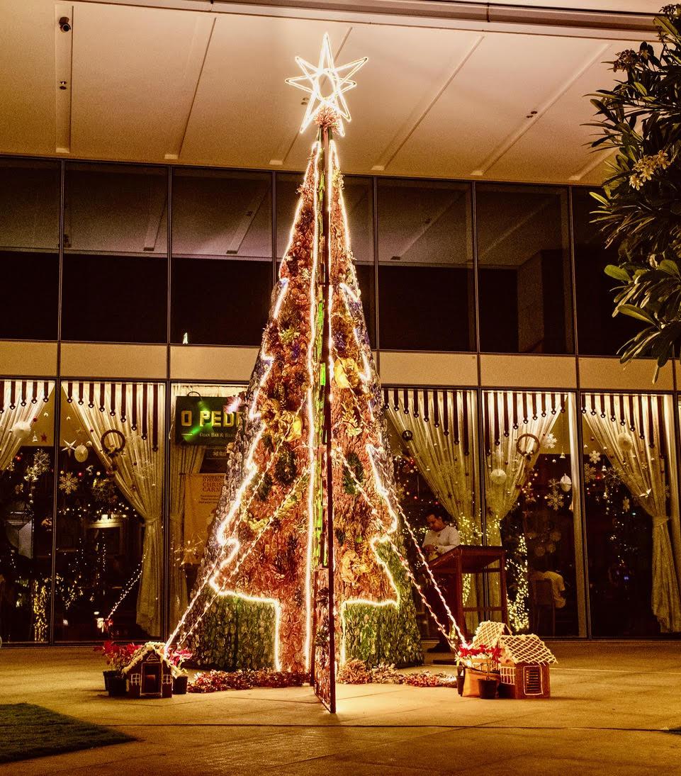 Christmas-Tree-@OPEDRO-BKC-Bombay-1