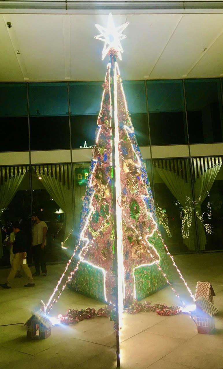 Christmas-Tree-@OPEDRO-BKC-Bombay-4